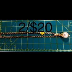 Jewelry - Gold chain pearl pendant